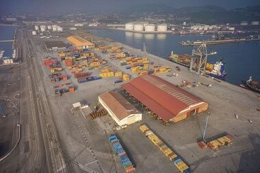 Containerships and APM Terminals Gijon form eco-friendly intermodal solution