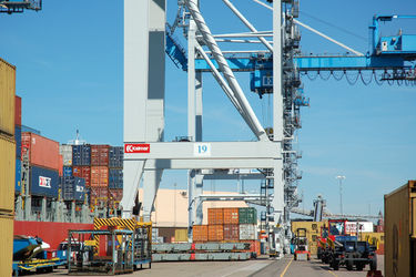 COSCO links Gothenburg and Helsingborg with Rotterdam