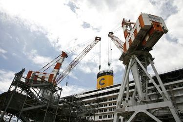 Fincantieri eyes majority stake in STX France