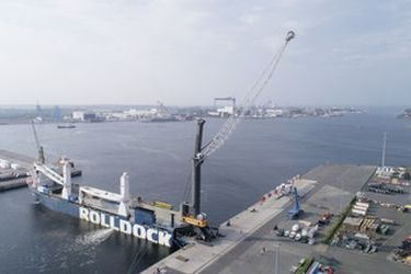 Liebherr ships to Chile