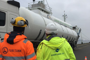 Rostock's first chemical tanker LNG bunkering