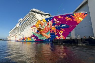 Meyer Werft delivers World Dream