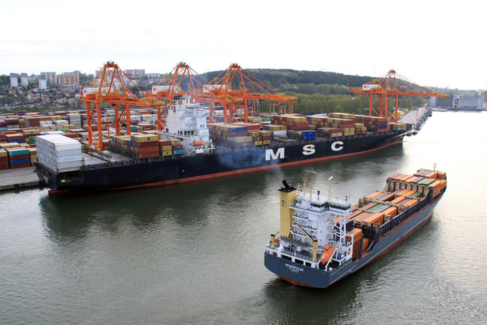 MSC's container ship berthing at the Baltic Container Terminal Gdynia (photo: Port of Gdynia/Tadeusz Urbaniak)